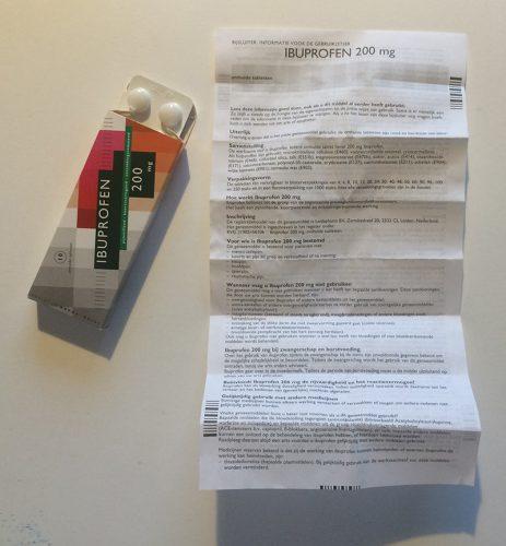 Zelfzorgmedicijnen kunnen zonder voorschrift gekocht worden in een apotheek of drogisterij (Over-the-counter medicines, OTC);